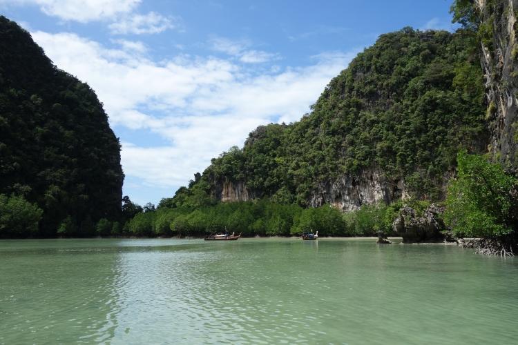 19 Hong island lagoon