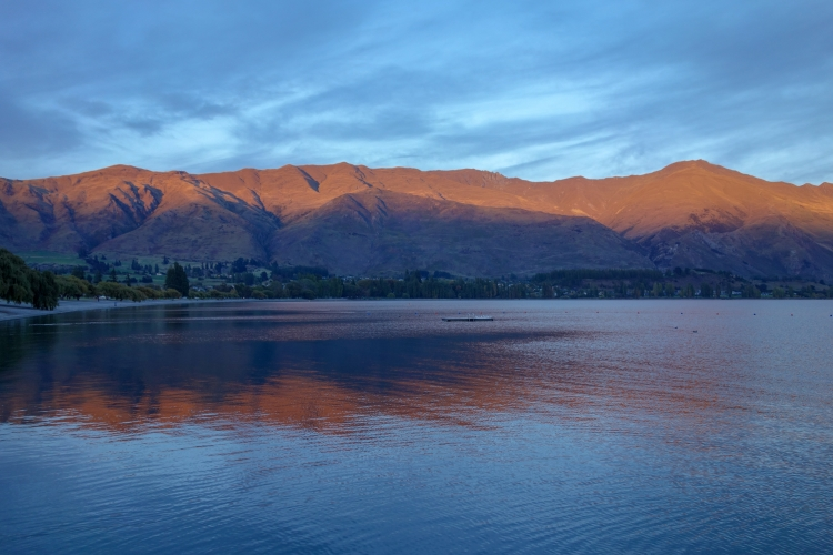 04 Lake Wanaka sunrise